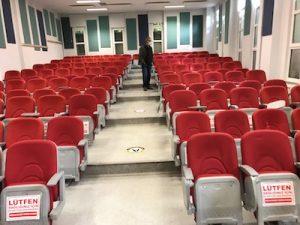 konferans koltuğu montajı
